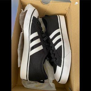 Adidas Nizza low top sneaker M8.5 W10